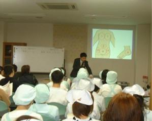褥瘡について勉強会をおこないました 3F会議室 桃崎病院 褥瘡対策委員会